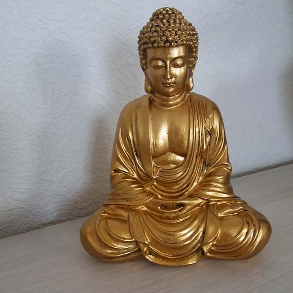 statue bouddha or